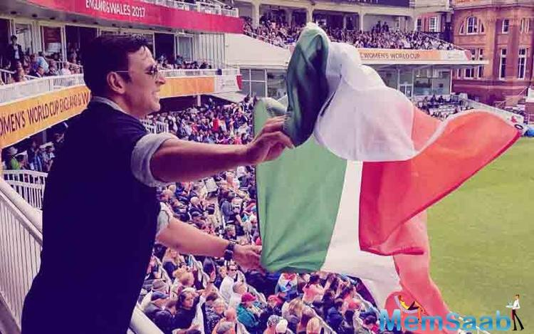 Akshay Kumar apologizes for holding Indian flag upside ...