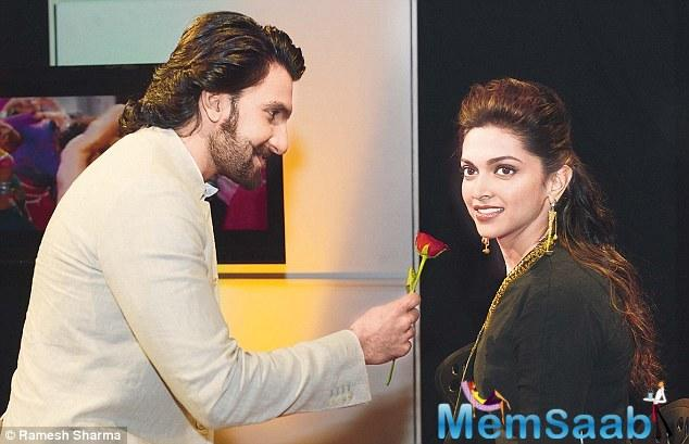 While they made an exit, the chivalrous Ranveer Singh escorted the dimpled-beauty to her car, and later left with his friend from the venue.