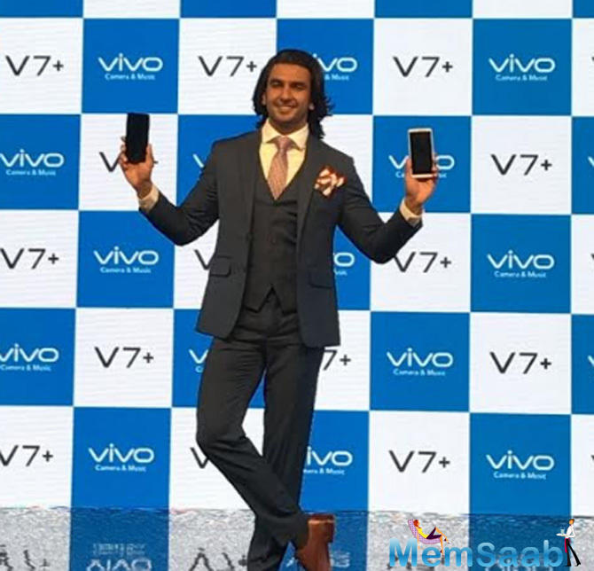 At the phone launch event, selfie-king Ranveer revealed the number of selfies he takes in a day.
