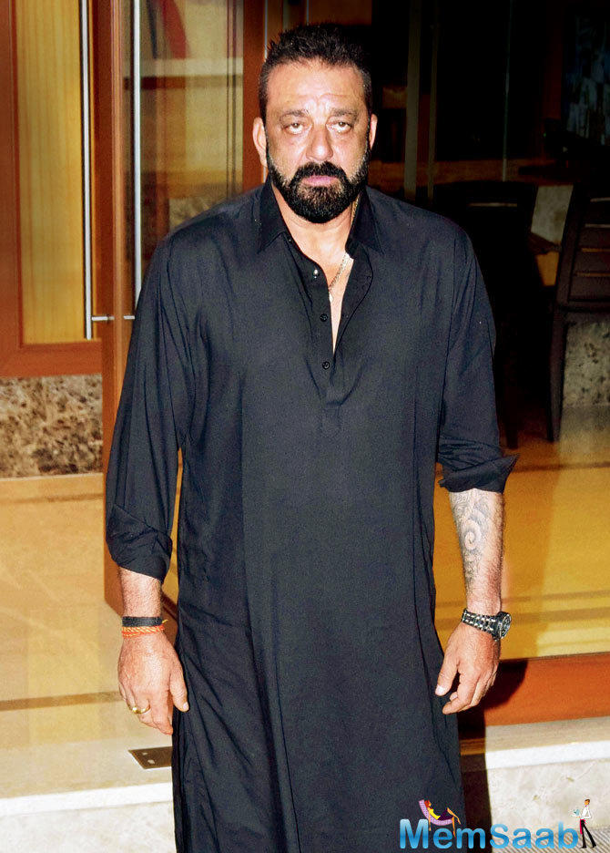 Sanjay Dutt unveils his rustic look in 'Prassthanam' motion