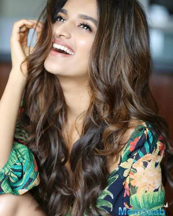 Here, The Bengaluru girl Nidhhi Agerwal shared a lot of things about her personal life and her experience after landing in Mumbai to enter the world of glamour.