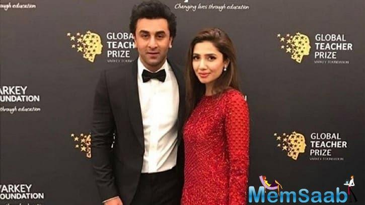 Bollywood actor Ranbir Kapoor and Pakistani actress Mahira Khan were spotted together in New York and the photos of the two have gone viral, triggering dating rumours.