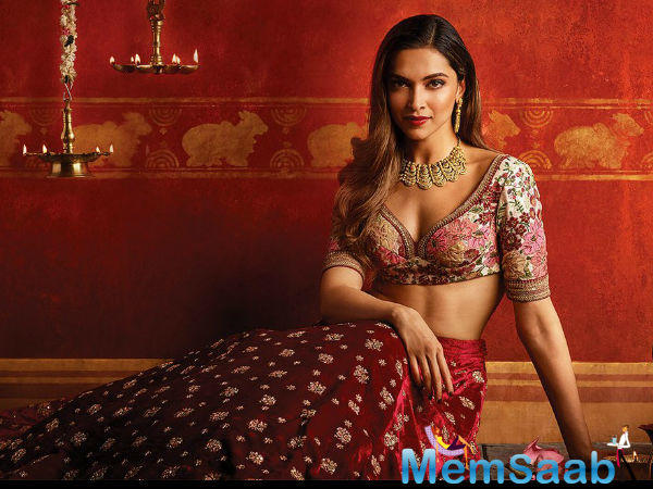 Some breath-taking pictures of the dimpled-queen Deepika Padukone have surfaced the internet.