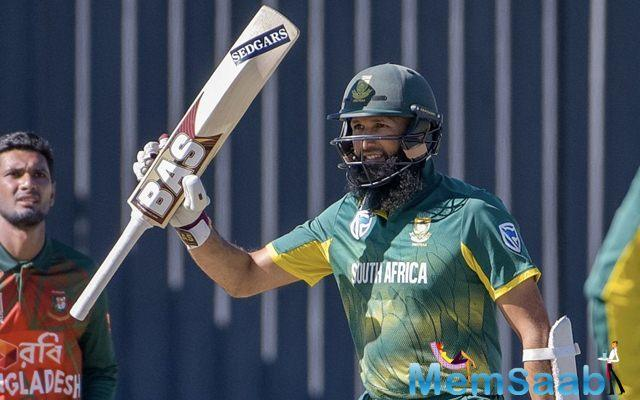 Withal, the hosts made easy work of the chase and chased it down with an unbeaten partnership of 282 between their openers. This assured the South African pair of Emile and De Cock break many records along the way.