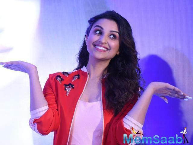 Parineeti along with Shetty and actors Ajay Devgn, Arshad Warsi, Tusshar Kapoor, Shreyas Talpade and Kunal Kemmu appeared on TV show Yaar Mera Superstar Season 2 to promote Golmaal Again, which will release on Friday.