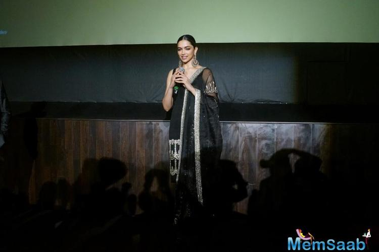 Padmavati is set to release on the cinemas on 1 December 2017, Her unibrow look got thumbs up from her fans.