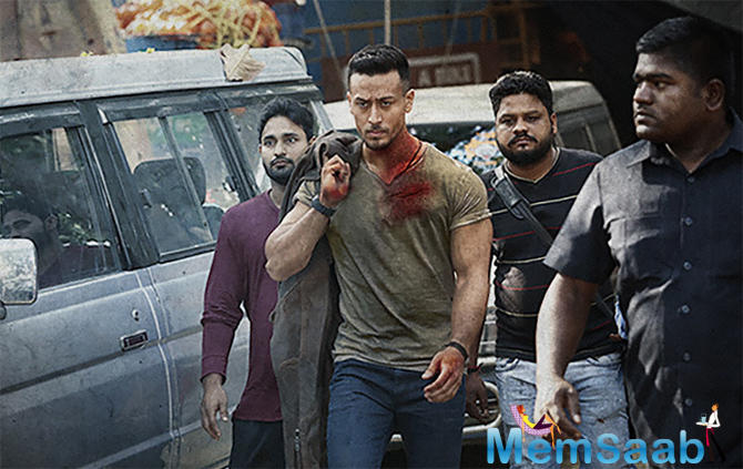 Recently Tiger was captured, when he was walking to the set for shooting an action sequence from his vanity.