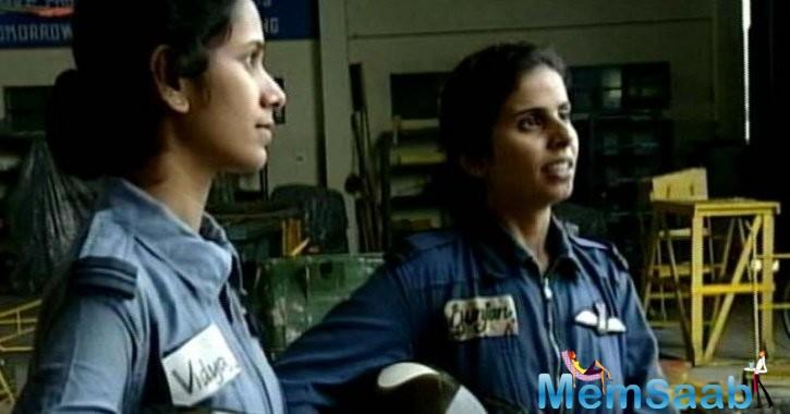 Gunjan, along with flight lieutenant Srividya Rajan, were India's first women to fly choppers and evacuate injured Indian soldiers from Kargil 18 years ago. They braved enemy fire in northern Kashmir for this.
