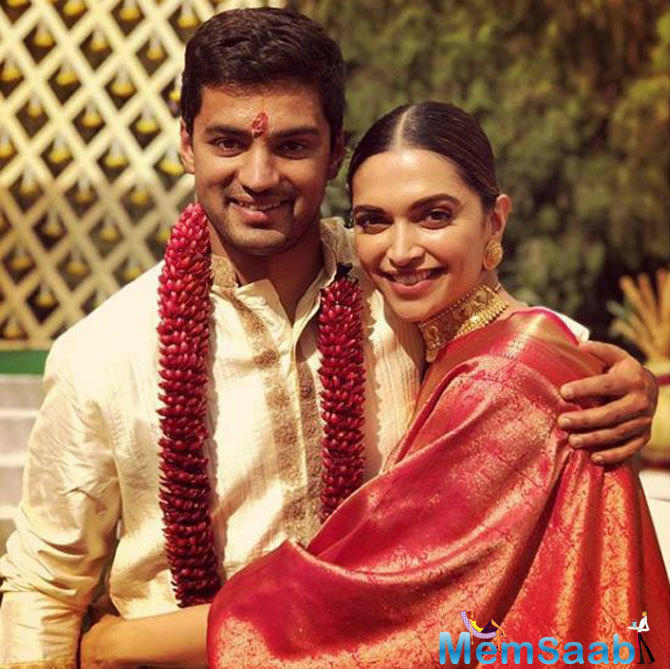 No doubt to the fact that Deepika is one of the most beautiful actresses of this generation, and getting a royal saree in a gift from a diva like Rekha is a fortune.