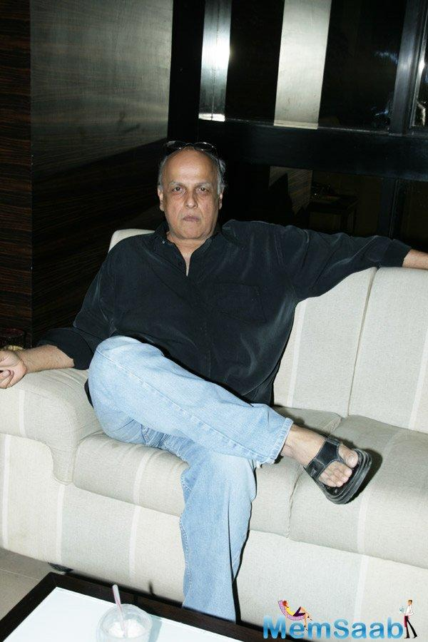 The veteran filmmaker said there's a need in present times to encourage young writers.