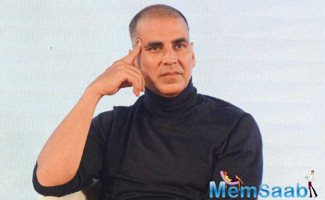 "When asked whether he is bothered with the box-office collection of ""Pad Man"", Akshay said: ""I am not thinking about how much money it will collect from box-office. It doesn't matter to me."""