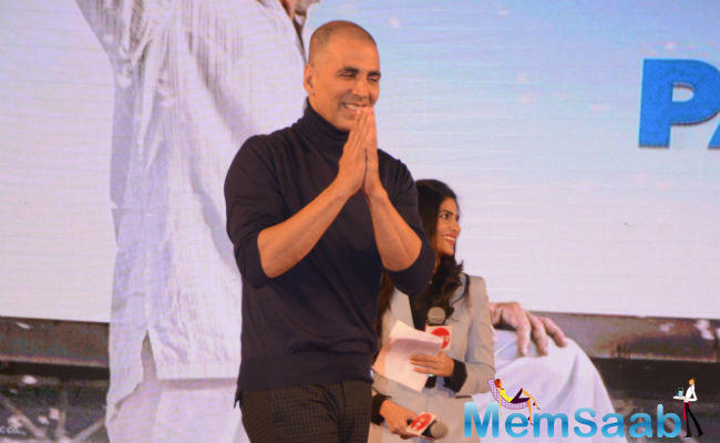 Akshay Kumar's bald look has become the talk of the town, after the actor made public appearances for Padman's promotion.