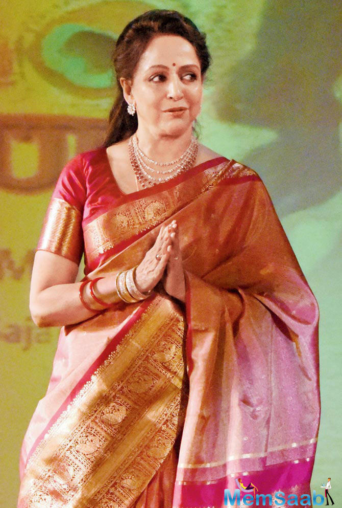 Veteran actress-politician Hema Malini enacted an epic scene from the classic film