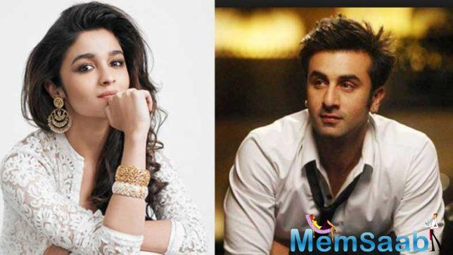 After break up with Katrina Kaif, There were report that Ranbir is dating Pakistan actress Mahira Khan, this report was more strong when they caught together in New York.