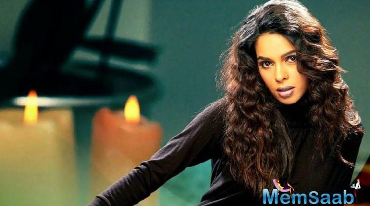 After hitting headlines for being allegedly evicted from her house in Paris for not having paid rent — a report that she denied outright — Mallika Sherawat is back in news.