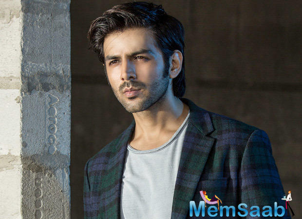 "Pyaar Ka Punchnama fame Kartik Aaryan, who is currently busy with the promotion of ""Sonu Ke Titu Ki Sweety"" reportedly, will star in Shahid Kapoor's Batti Gul Meter Chalu."