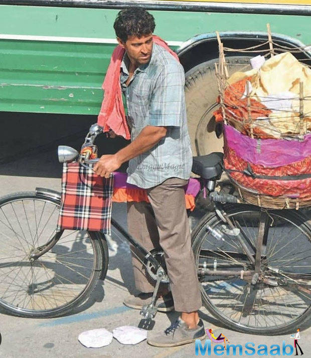 Hrithik was also spotted shooting in a village setup on a bicycle.