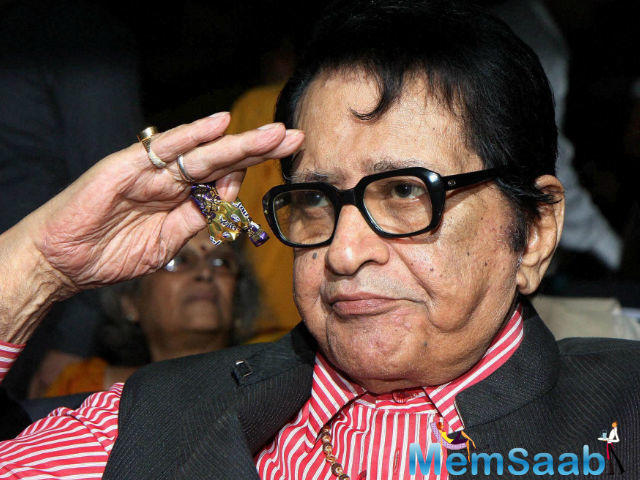 Veteran actor and filmmaker Manoj Kumar, 81, is not only happy to hear that one of his most iconic films Woh Kaun Thi is up for a remake, but has even offered to write for it.