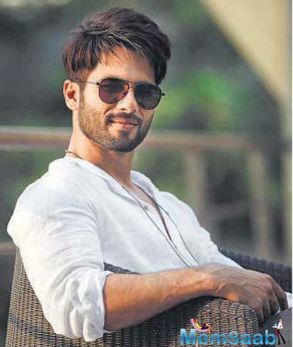Shahid Kapoor is currently shooting for his next movie 'Batti Gul Meter Chalu' alongside Shraddha Kapoor who plays his love interest in the film.