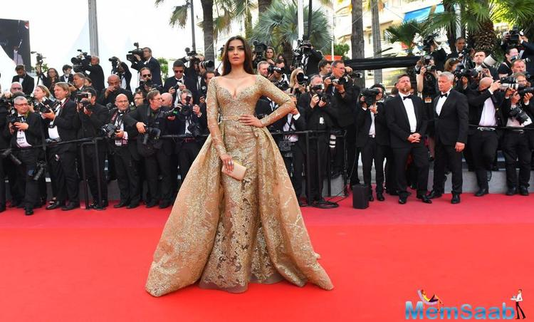 The cosmetic brand is celebrating 21 years as the official make-up partner for the Festival de Cannes.