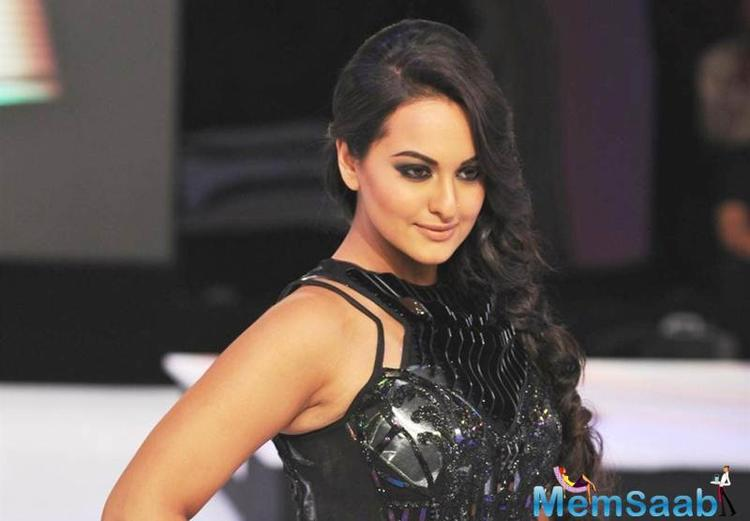 While the media here waited for a conversation with the actress, who had flown in from Kuala Lumpur to be a part of the event, there was chatter about Sonakshi's weight loss and