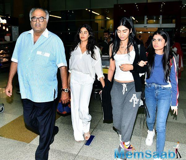 Yesterday, Boney Kapoor and daughters Janhvi and Khushi attended a mock rehearsal of the National Film Awards at the Vigyan Bhavan, New Delhi.