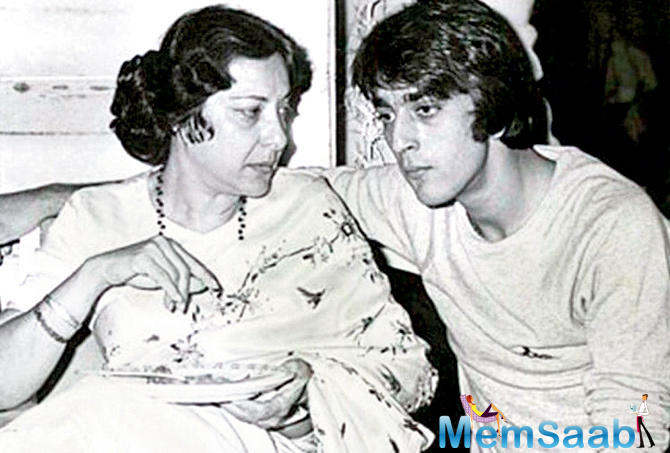Sanjay Dutt shares a rare picture of mother Nargis on her death anniversary