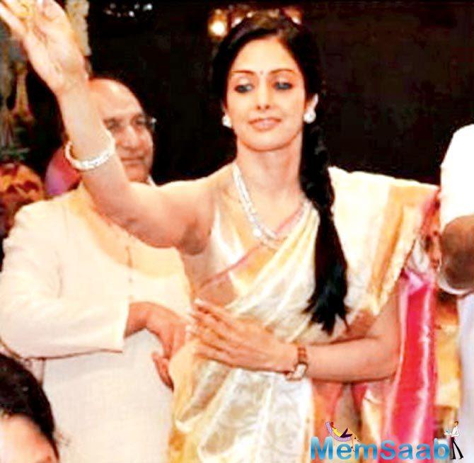 Younger sister Khushi also attended the ceremony, she wore a white saree.