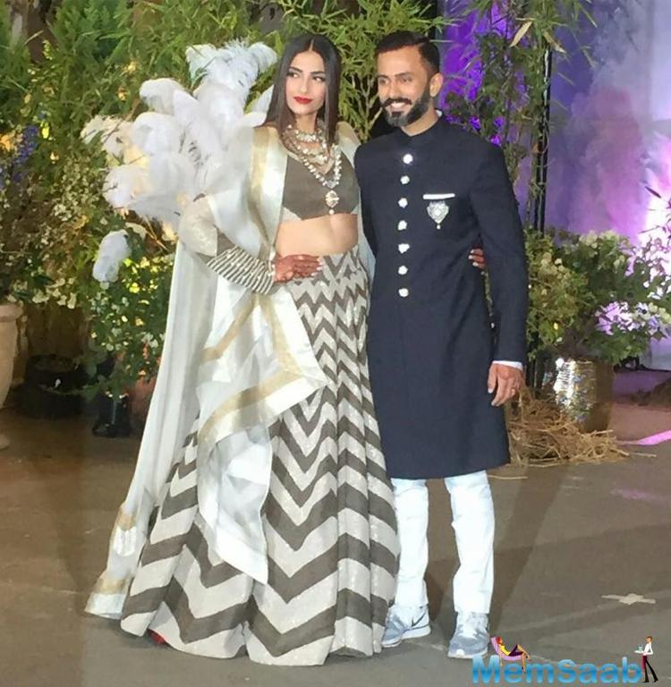 The fashionista, known for her stunning dressing sense, was a delight to watch at her Mehendi ceremony on Sunday,