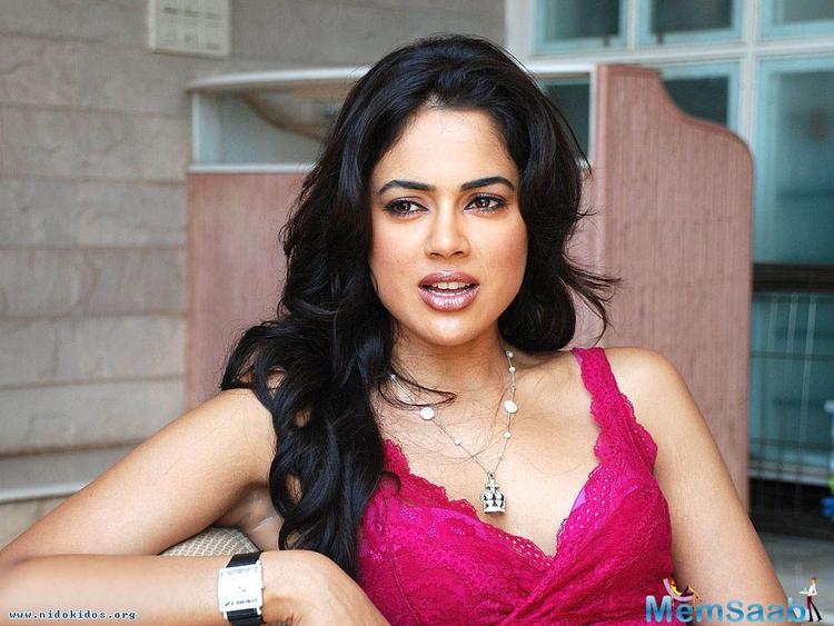 Sameera Reddy, who hasn't been seen in big screen for few years, reportedly, she is trying to get back in Bollywood.