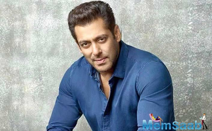 """When it was suggested that Salman's love and reverence for Dharamji are similar to what the veteran actor felt for Raj Kapoor, Dharmaji protests, """"Arrrey nahin woh zamana hi kuch aur tha."""