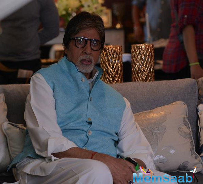 Amitabh Bachchan is known for taking on, and occasionally chiding, the younger lot of actors on social media. Yesterday, he seemed to be in a mood to challenge Ranveer Singh.