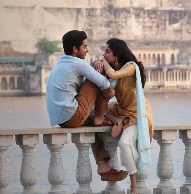 After the trailer, this song also concretes the belief that 'Dhadak' is restricted by it's own prettiness and it certainly lacks the purity of 'Sairat'.