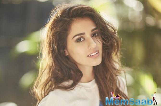 Amidst heavy rains, Disha continued her rehearsals and impressed director Ali Abbas Zafar who took to social media to laud her dedication.