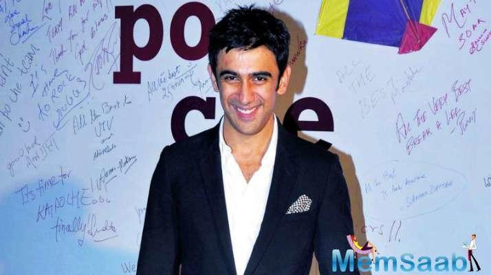 Amit Sadh, who will be next seen in Gold, says Need not research while working with director Reema Kagti.
