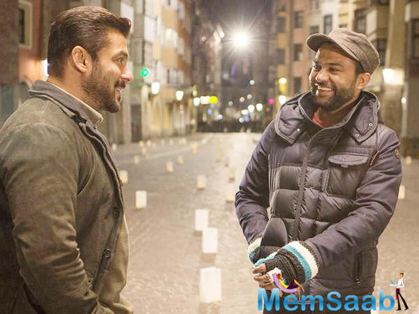 The film essentially covers the life of a man (Salman Khan) as he lives through these significant moments in history, leading up to the present.