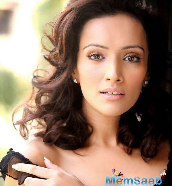 Dipannita Sharma, who has been swooning us with her beauty and fitness is celebrating big at US.