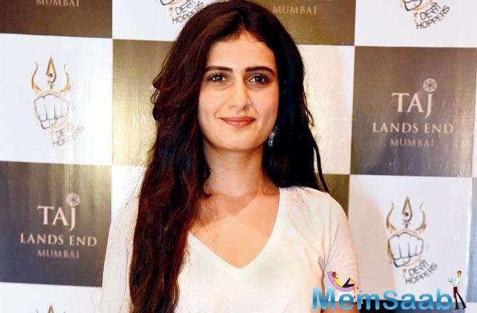 Fatima Sana Shaikh has finally bagged an endorsement deal. The Dangal (2016) actor will be seen alongside Varun Dhawan in an upcoming campaign.