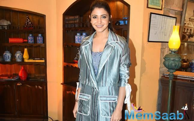 Enter Anushka Sharma, who managed to injure herself while performing a rather routine sequence for her upcoming film Sui Dhaaga.