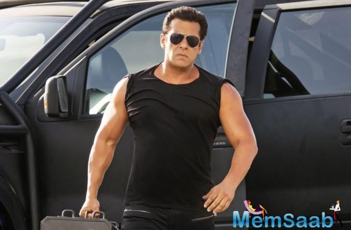 """A source close to Bollywood Hungama revealed, """"Remo was constantly 'directed' by Salman Khan during the shooting of Race 3."""