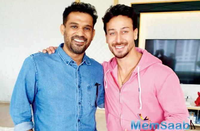Tiger Shroff caught up with Ship of Theseus (2012) actor Sohum Shah and exchanged fitness tips.