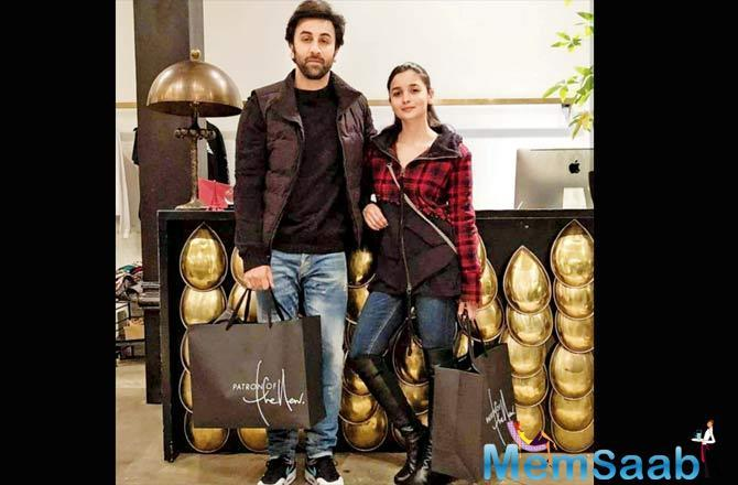 A fan group shared this picture of Ranbir Kapoor and Alia Bhatt at a store in New York.