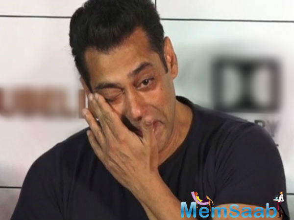 The superstar heard the little boy and even made him feel important. Salman visited the little boy on one of his acquaintance Govind's request to meet his wife's nephew.