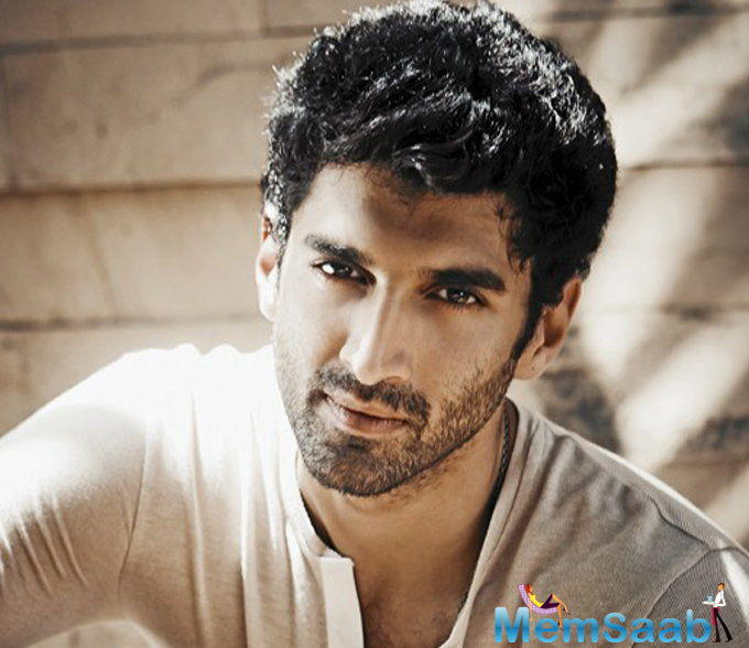 """The source shares, """"The cast and the crew were requested not to take their phones on the sets of the film and avoid meeting outsiders when they were shooting. But Aditya made time for them after he wrapped up his schedule of the film."""""""