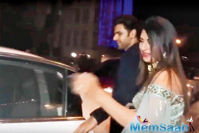Divyanka was spotted laughing aloud (pic above), while Vivek led her to their car. Looks like Divyanka had soaked in the festivities a tad too much at Ekta's bash. She could not recognise her own car!