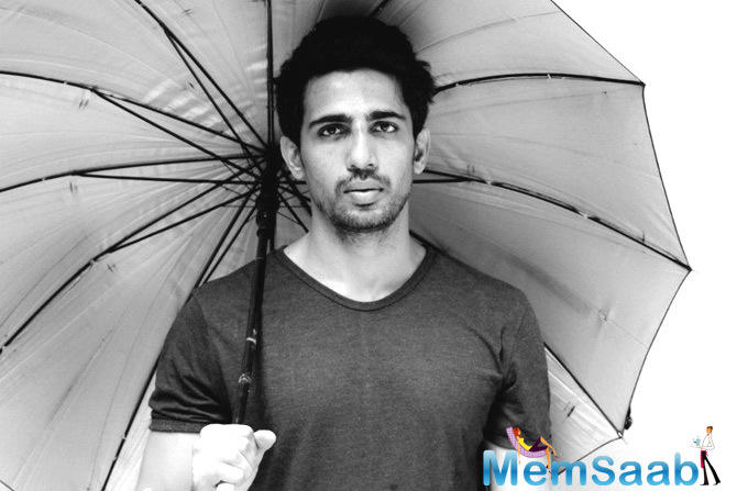 The actor trained three days a week for four months. Mard Ko Dard Nahi Hota marks the second collaboration of Gulshan and Bala after the 2012 crime thriller film Peddlers. He says he had to do everything from his