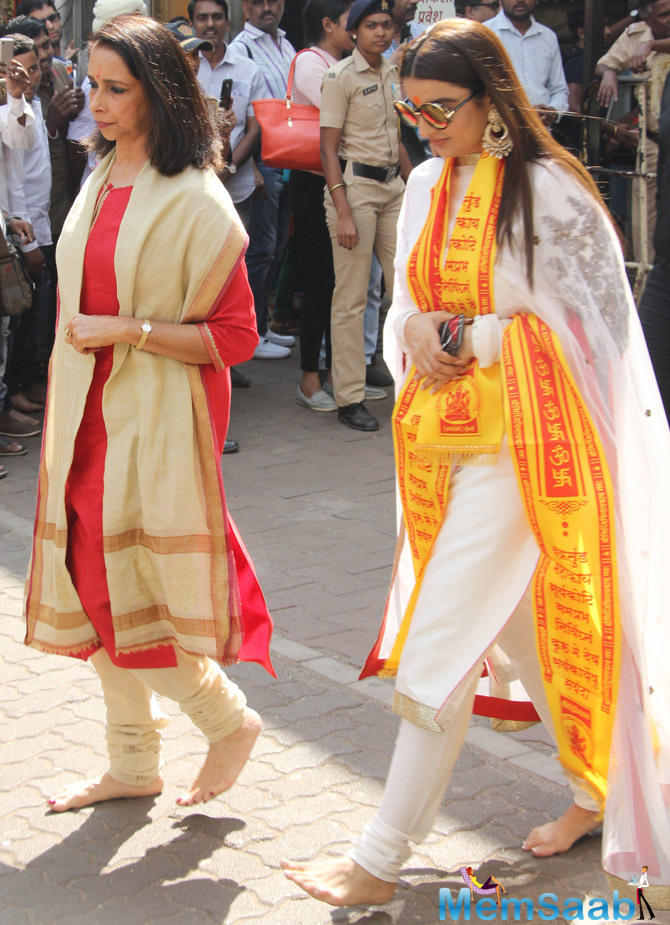 Ujjala Padukone and Ritika Bhavnani were spotted after visiting the temple.