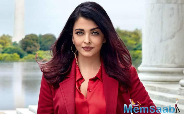What is always in Aishwarya's travel bag?