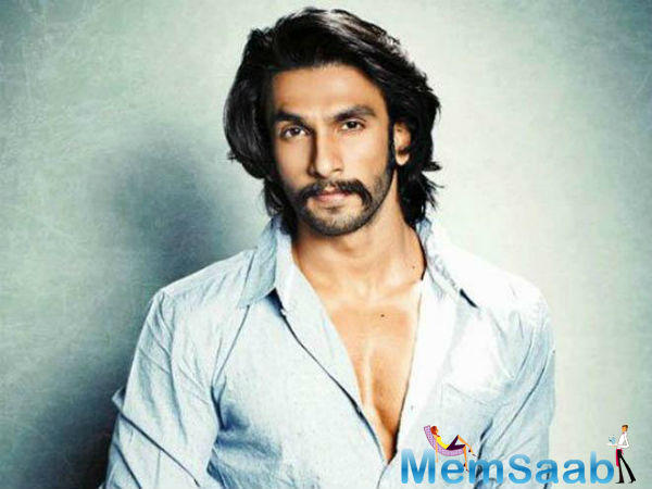 Ranveer was shown as a little kid from Singham who goes on to be a cop in Simmba.