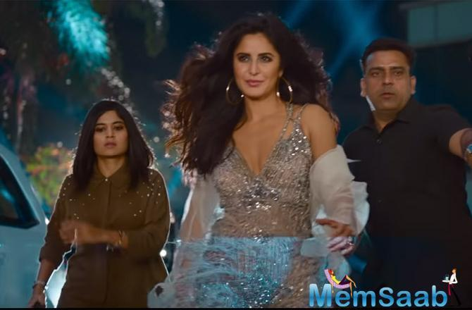 After Mere Naam Tu and Issaqbaazi, the makers unveiled the third song from the film Husn Parcham at an event in Mumbai where Katrina set the stage on fire with her sizzling performance.